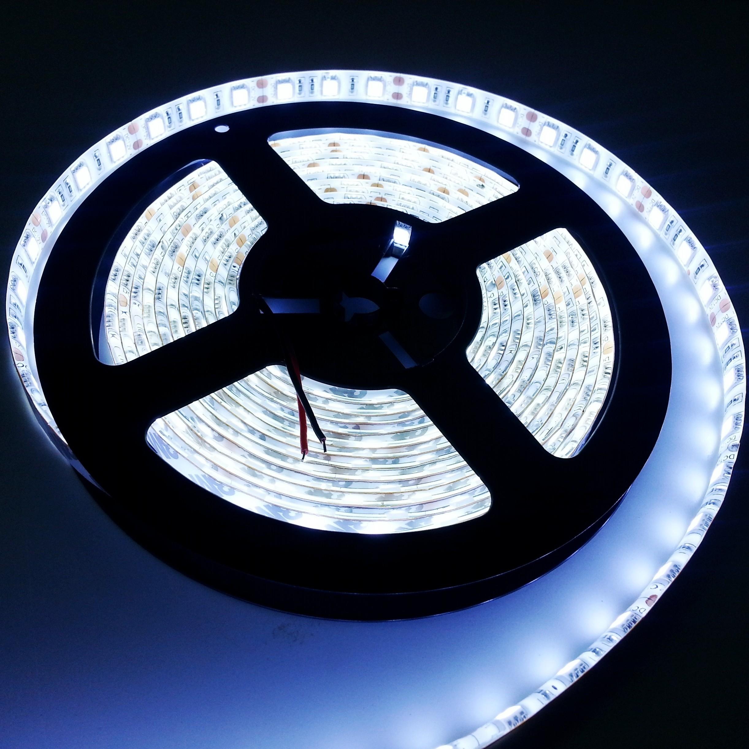 brightest 15w m smd 5050 flexible led strip light 5m 300leds. Black Bedroom Furniture Sets. Home Design Ideas